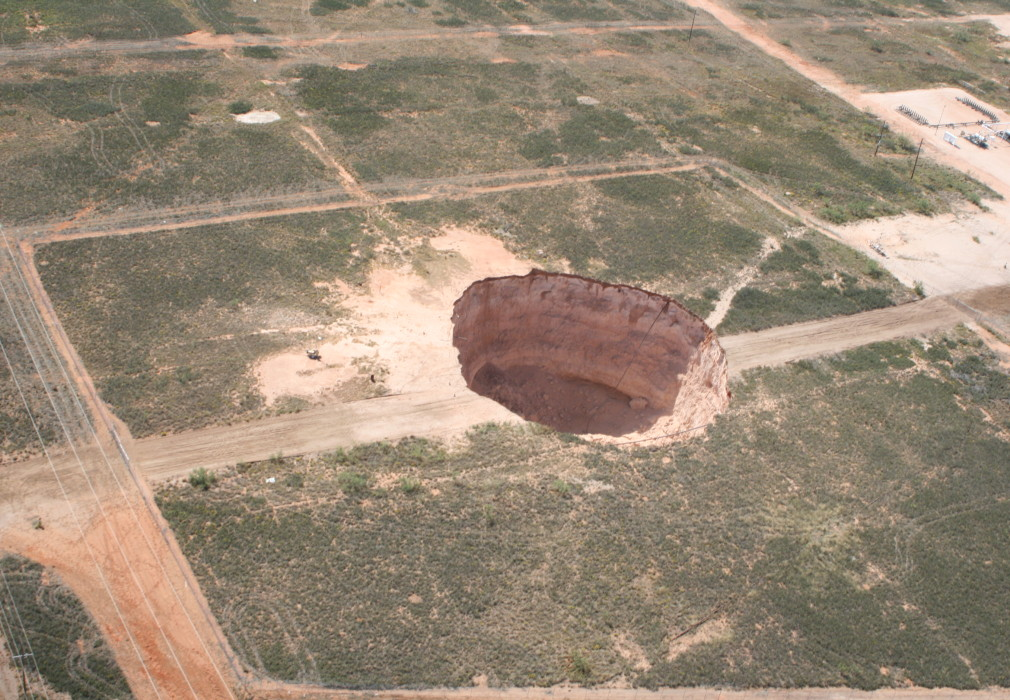Sinkhole in Texas on Pipeline Patrol